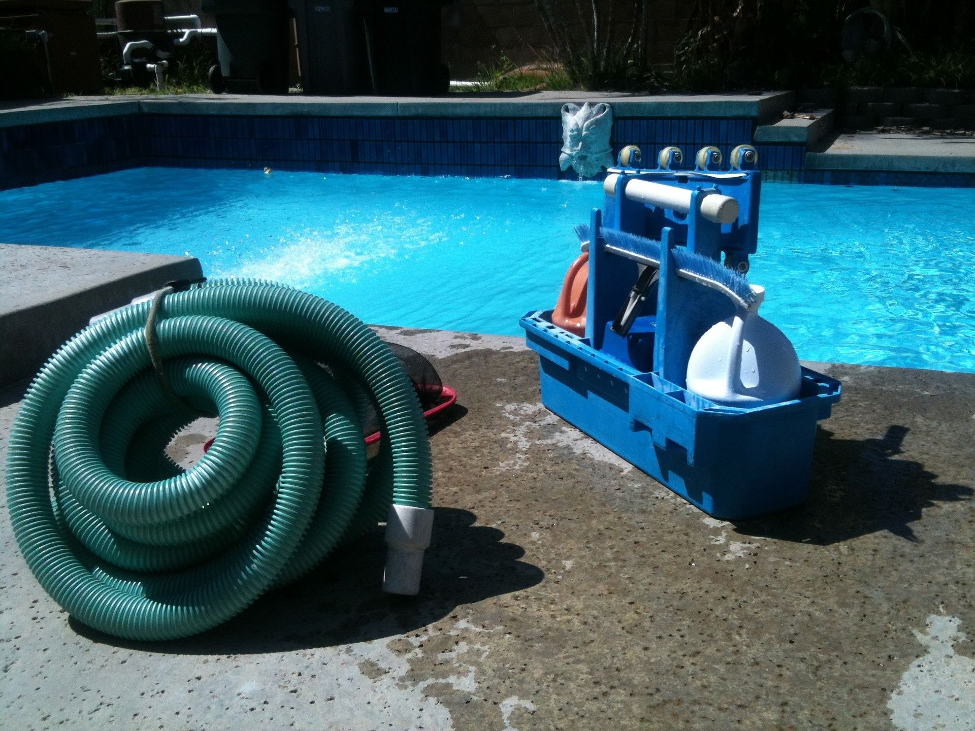 pool-cleaning-330399_1920